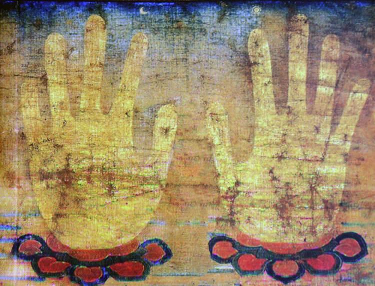 руки реликвии