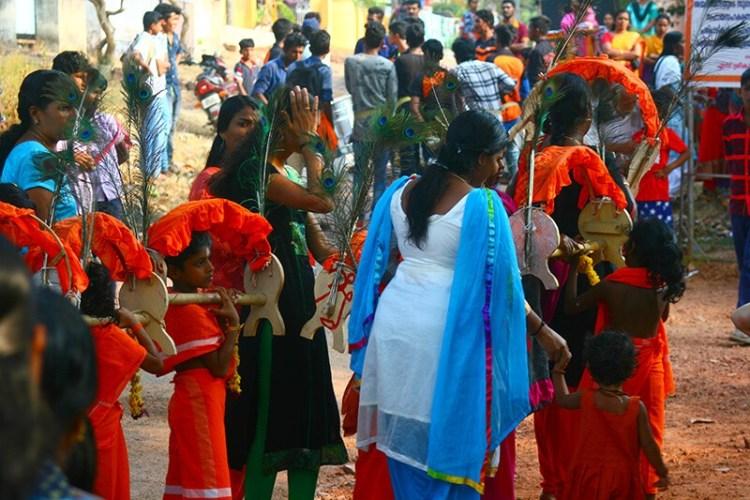 Дети в трансе Муругана культ