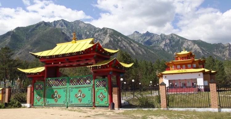 ворота в дацане