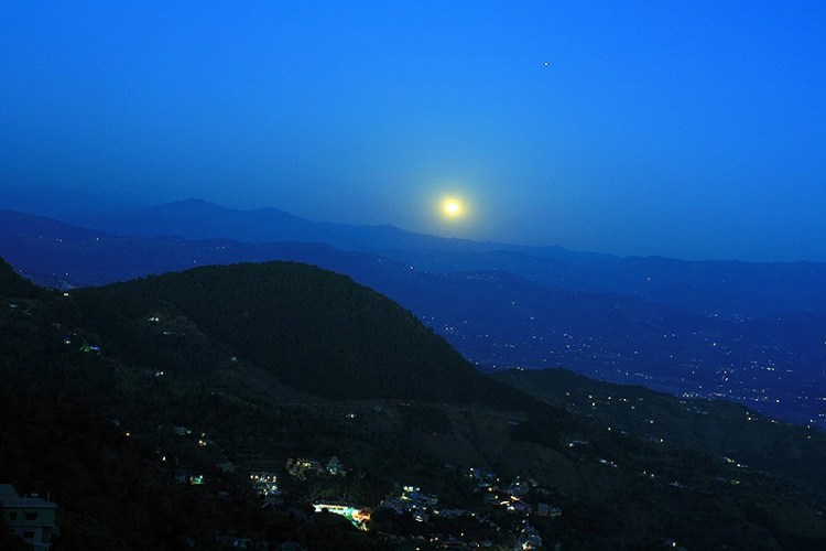 Ночной Ревалсар