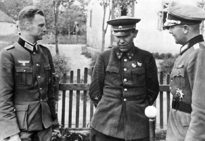 захваченный генерал немцами