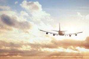 Лететь на самолете сонник для женщины