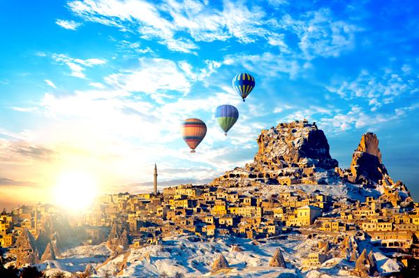 cappadocia%e5%9c%9f%e8%80%b3%e5%85%b6shutterstock_155910080