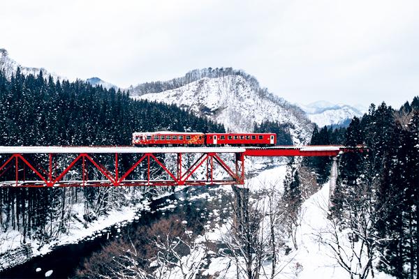2 秋田內陸鐵道