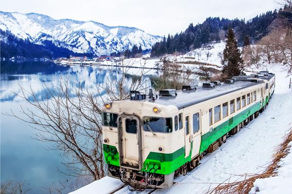 8 座敷列車or足湯列車