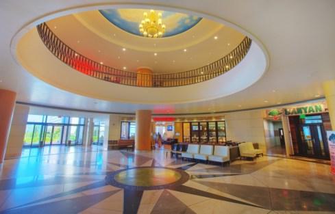 full_main-entrance-and-grand-lobby_1458119914