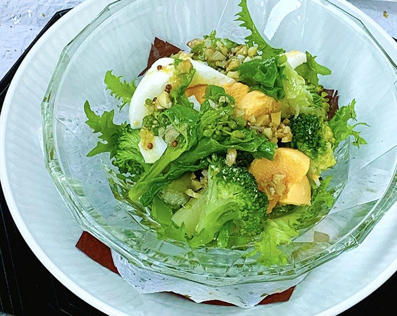 ゆで卵・菜の花・ブロッコリーのサラダ