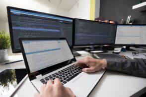5 formations pour devenir développeur web à distance ou en alternance