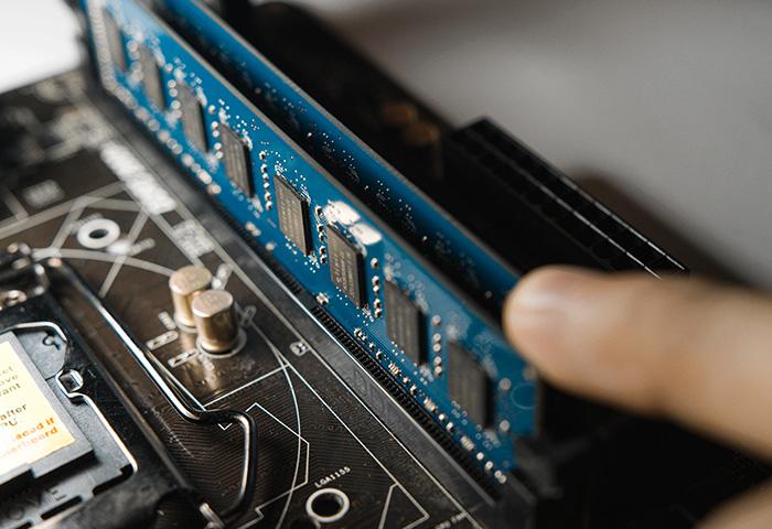 What is RAM (Random Access Memory) & What's it Do? | AVG