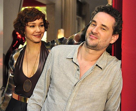 Esther (Julia Lemmertz) e Paulo (Dan Stulbach)