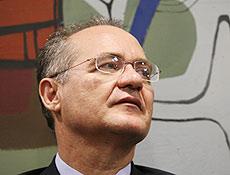 Renan pede licença de dez dias ao Senado depois de se afastar da presidência da Casa