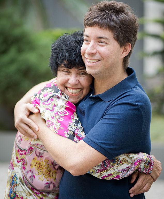 Dalva Tabachi, 62, e seu filho Ricardo, 32