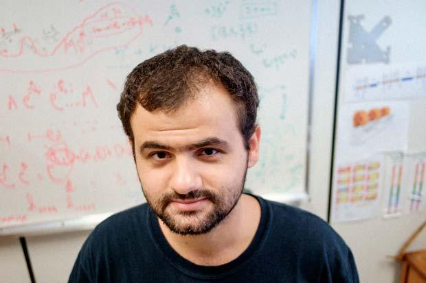 Fernando Henrique de Sá, 27, membro do grupo de física de aceleradores do LNLS. Crédito: Felipe Larozza/ VICE