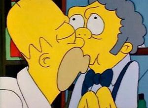 """Cena do beijo gay entre Homer e Moe, no episódio """"Todo o Mundo Morre um Dia"""""""