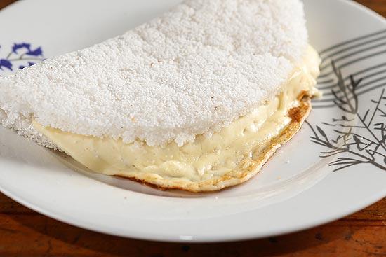 A tapioca tradicional também pode ser recheada com queijo mussarela
