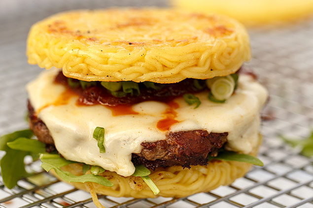 Ramen burger do chef Keizo Shimamoto