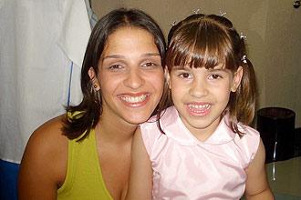 Ana Carolina Cunha de Oliveira e a filha, Isabella, 5, que foi jogada do sexto andar do edifício London, na zona norte de São Paulo