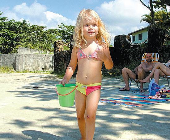 Grazielly, 3, que morreu após ser atropelada por um jet ski em Bertioga, no litoral de SP
