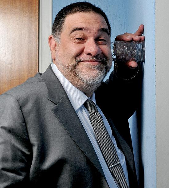 O síndico profissional Aldo Busuletti, que lida com reclamações sobre barulhos