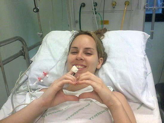 Ingrid Goldani, 20, que respirou ar do freezer da boate Kiss e conseguiu escapar da fumaça