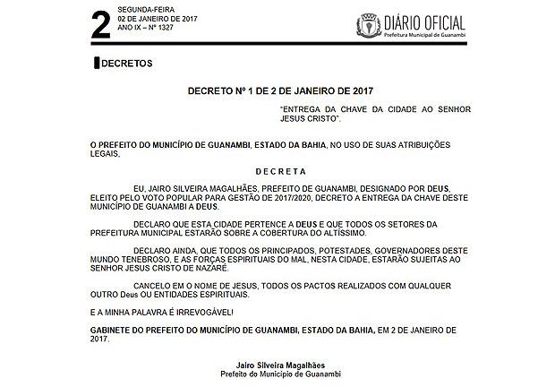 Decreto de prefeito que entrega as chaves de Guanambi, no interior da Bahia, para Deus