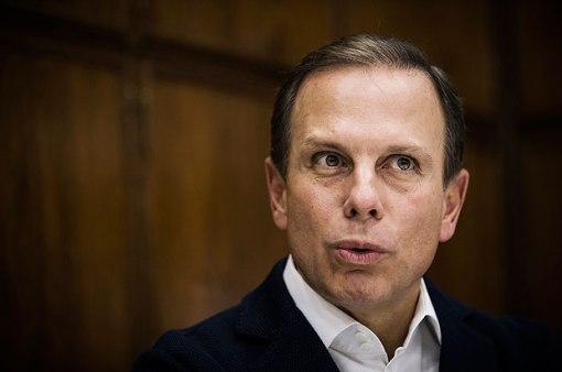 O prefeito de SP, João Doria (PSDB), em seu gabinete