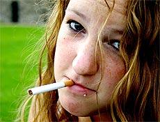 O  risco é maior quando o adolescente apresenta sintomas precoces, como  desejo de fumar
