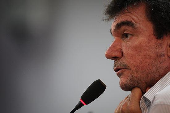 O presidente do Corinthians, Andres Sanchez, concede entrevista no CT Joaquim Grava