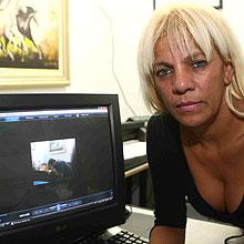 Comerciante Nadir Dias da Silva estava com Roberto Cabrini e diz ser amante do jornalista