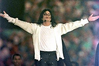 Michael Jackson se apresenta na Califórnia em 1993; corpo do cantor poderá ser visto pelos fãs no rancho Neverland