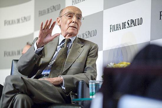 O escritor português José Saramago durante sabatina promovida pela Folha em 2008