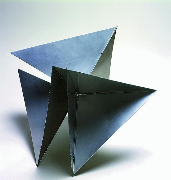 """Obra de 1960, """"Bicho"""", de Lygia Clark, foi vendida na feira Art Basel por R$ 3,4 milhões"""