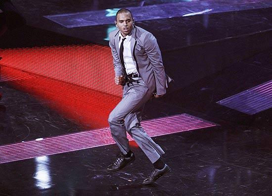 Chris Brown, que lançará o quinto disco da carreira no começo de maio