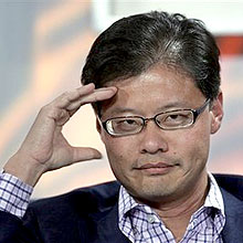 Fundador do Yahoo!, Jerry Yang, precisou deixar o cargo de executivo-chefe do grupo