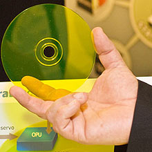 """""""SuperDVD"""" TeraDisc, cuja capacidade de armazenamento é de 1TB, será lançado até 2011"""