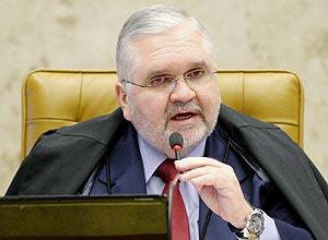 O procurador-geral Roberto Gurgel rebateu críticas sobre investigações