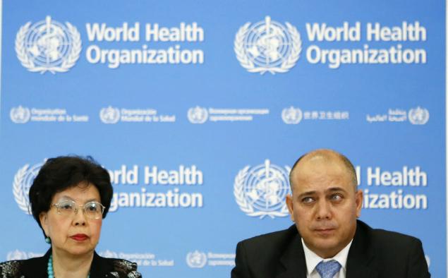 Margaret Chan, diretora-geral da Organização Mundial da Saúde e Roberto Morales Ojeda, Ministro da Saúde Pública de Cuba, em anúncio de ajuda cubana para combater o Ebola em países da África