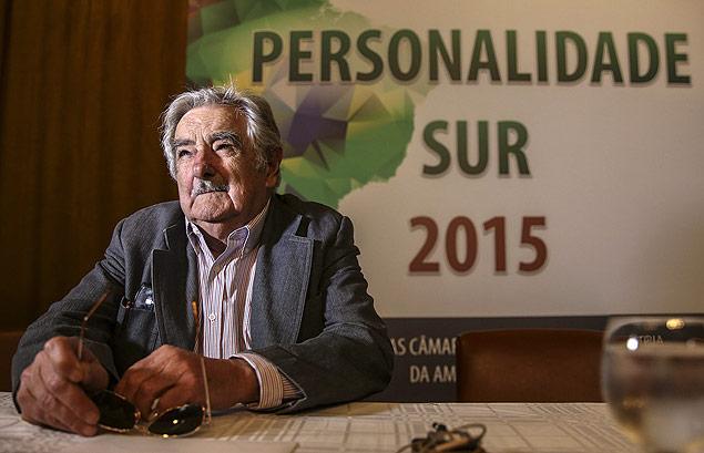 BRA01. RÍO DE JANEIRO (BRASIL), 27/08/2015.- El expresidente de Uruguay José Mujica habla hoy, jueves 27 de agosto de 2015, durante una visita a Río de Janeiro (Brasil). Mujica, de visita en la ciudad para recibir un premio, aconsejó a Brasil a castigar a los corruptos, levantar la cabeza y superar sus dificultades. Mujica, además instó a Colombia y Venezuela a buscar un entendimiento mutuo para superar la crisis desatada en la frontera común, que permanece cerrada desde hace más de una semana. EFE/Antonio Lacerda ORG XMIT: BRA01