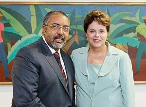 Presidenta Dilma Rousseff recebe o senador Paulo Paim