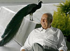 José Alencar, então vice-presidente da República, durante entrevista sobre sua saúde no Palácio do Jaburu