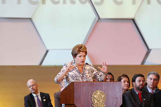 A presidente Dilma Rousseff participa do encontro nacional com os prefeitos do país