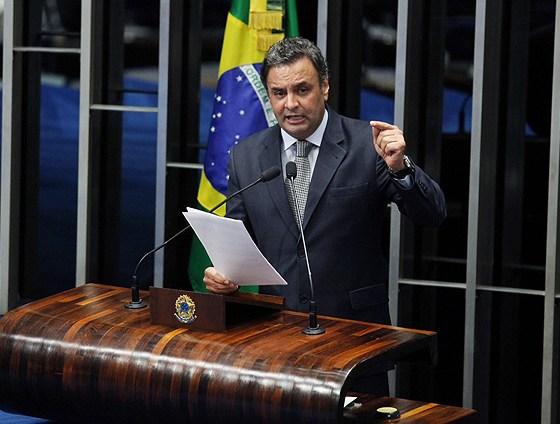O senador Aécio Neves (PSDB-MG), durante pronunciamento no Senado Federal no qual listou os 'fracassos' do PT