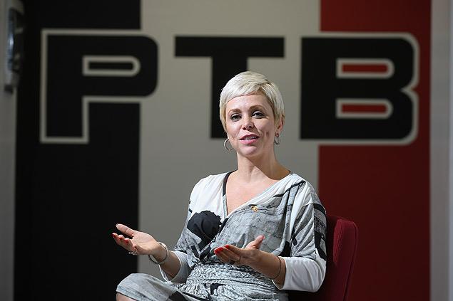 A deputada Cristiane Brasil (PTB-RJ), que quer definir um código de vestimenta para a Câmara