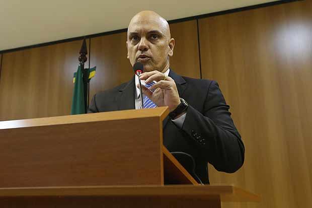 Brasilia, DF, Brasil, 21/07/2015: Coletiva do ministro da justica Alexandre de Moraes, no MJ. Ele fala sobre a prisao de brasileiros sob suspeita de terrorismo, apos o grupo ter feito contatos com o Estado Islamico. Foto: Pedro Ladeira/Folhapress