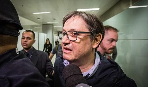 SAO PAULO, SP, BRASIL, 19-05-2017: O deputado federal Rodrigo Rocha Loures (PMDB-PR) chega de Nova York no Aeroporto de Guarulhos, após ter seu citado na delação de executivos da JBS. (Foto: Bruno Santos/ Folhapress) *** FSP-PODER *** EXCLUSIVO FOLHA***