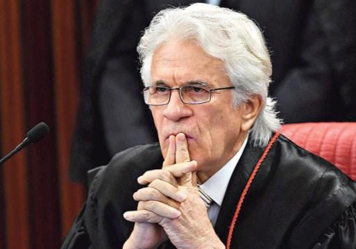 o ministro Napoleão Nunes maia Filho,integrante do tse