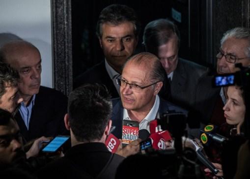 O governador de São Paulo, Geraldo Alckmin, ao lado dos tucanos José Serra, Beto Richa e Tasso Jereissati