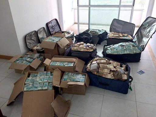 Malas de dinheiro atribuídas pela Polícia Federal ao ex-ministro Geddel Vieira Lima