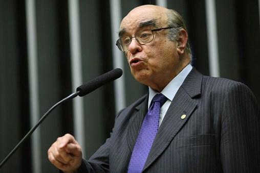 O deputado Bonifácio de Andrada (PSDB-MG), que votou a favor de Temer na primeira denúncia