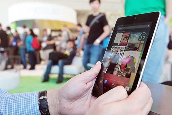 Nexus 7 (foto) pode ganhar um sucessor ainda neste ano; tablet custaria US$ 99, metade do preço do atual